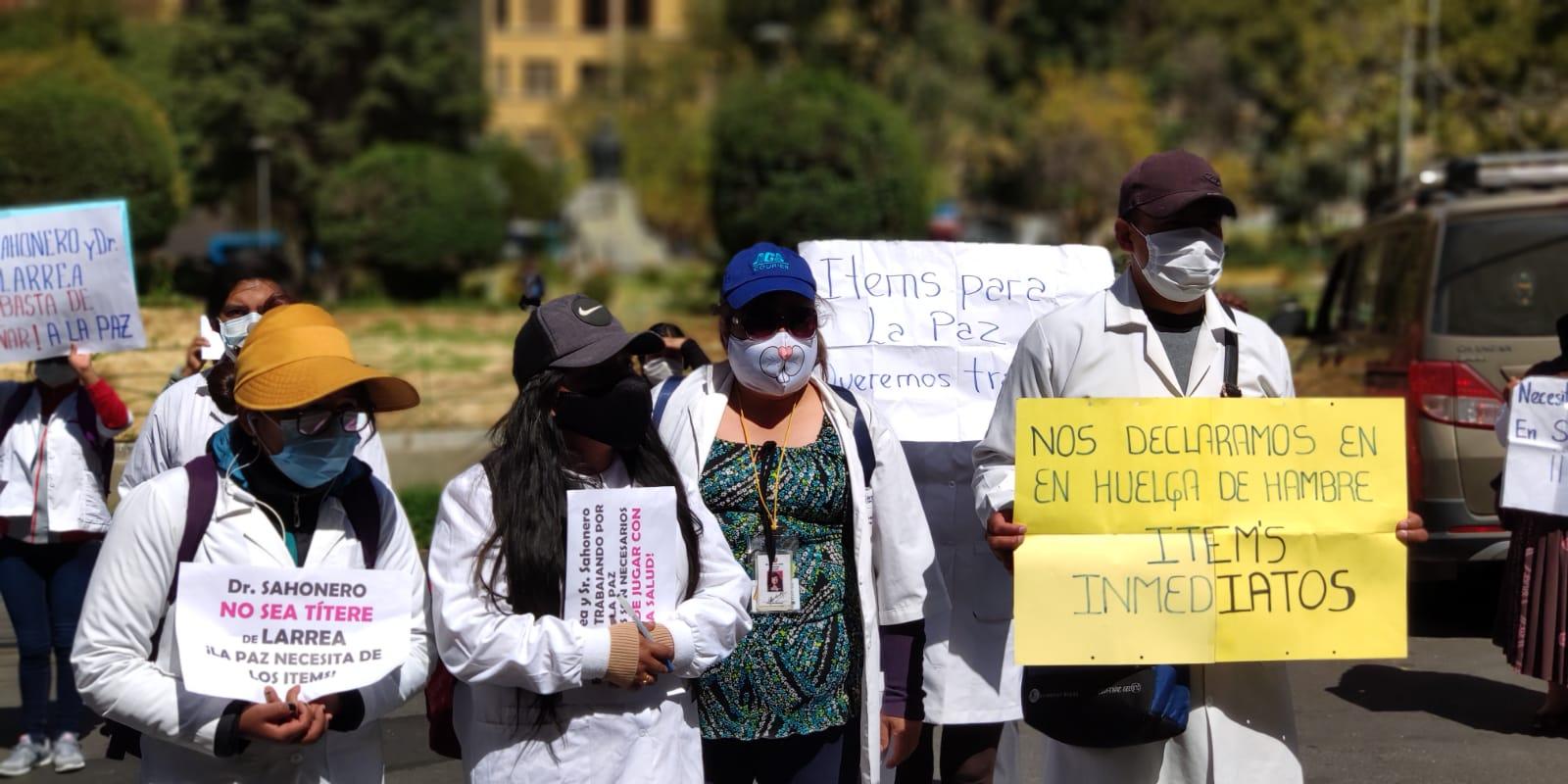 El Sirmes anuncia huelga de hambre por 310 ítems de salud para La Paz - La  Razón | Noticias de Bolivia y el Mundo