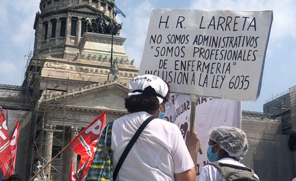 Enfermeros de Buenos Aires marchan por aumento salarial en plena pandemia -  La Razón   Noticias de Bolivia y el Mundo