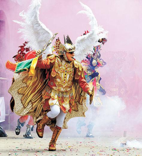 Oruro. Se hablará sobre las danzas que componen el Carnaval.
