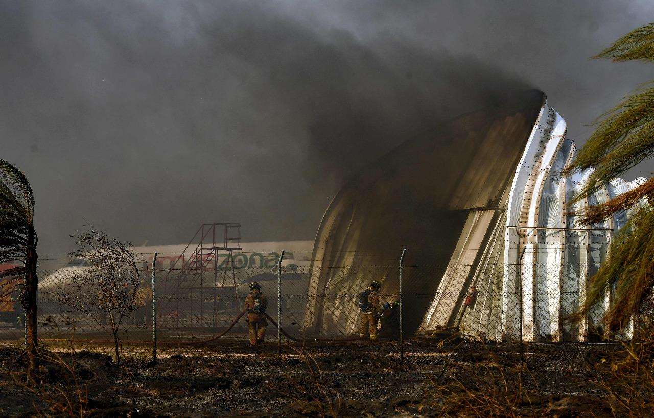 Incendio en Viru Viru afectó más de 25 vuelos, almacenes, turbinas y 1.700  hectáreas - La Razón | Noticias de Bolivia y el Mundo